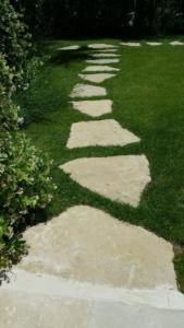 Pierres-naturelles-Amenagement-de-jardin5881d20d90418